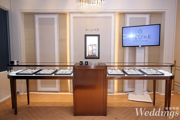 ALUXE亞立詩台北大安門市2樓_ ALUXE亞立詩品牌設計對戒系列 陳列展櫃