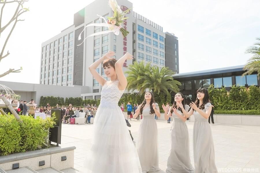 抽捧花玩法,送捧花,抽捧花方法,趣味抽捧花,婚禮,伴娘,新娘